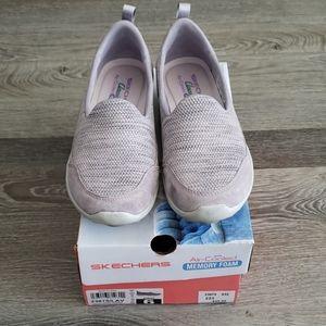 Skechers lavender purple memory foam sneaker